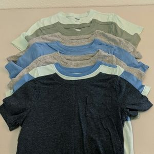 7 Old Navy t-shirts 4t